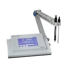 Medidor multiparamétrico de mesa para pH / ORP/ temperatura con datalogger con touch screen. Marca Numak, modelo PMT-003.